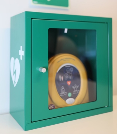 Defibrillaattorin suojakaappi